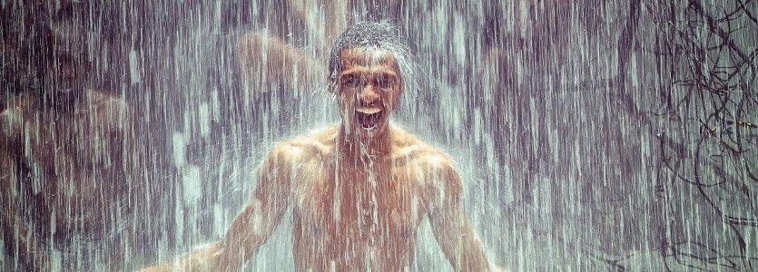 A corrida do amante na chuva