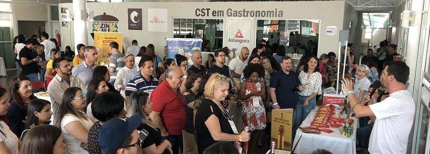 Cooperativa Vinícola Garibaldi promove aproximação com influenciadores digitais