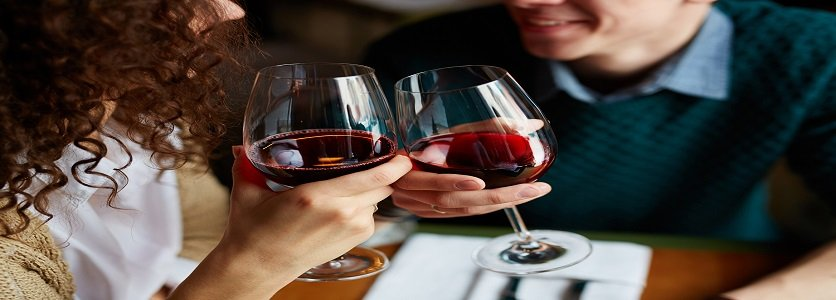 Poder anti-inflamatório do vinho prolonga a vida