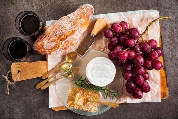 Como fazer a harmonização de pães e vinhos?