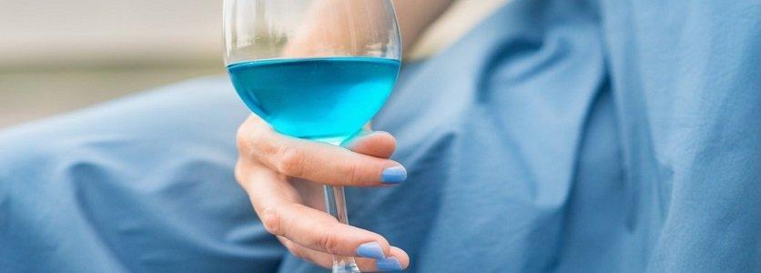 O polêmico vinho azul
