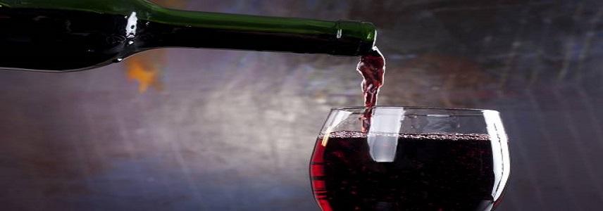 Cientistas descobrem que o tanino do vinho combate Covid-19.